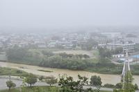 雨の翌日の横川
