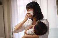 体調不良の母親