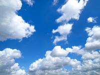 東京の夏空と雲
