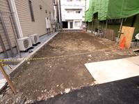 住宅街の空き地 東京都