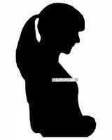 Frau mit Fieberthermometer