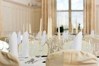 Hochzeit - Festlich geschmuckter Tisch