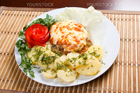 meat with potatoes and vegetableClose-up