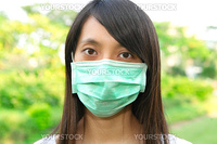 woman wear facemask