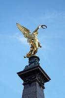 Goldener Engel als Zeichen des Friedens, im Herzen von Wien