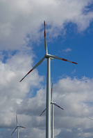 Wind turbines and cloudy Himmnel
