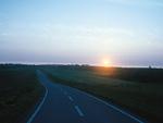 朝焼けの道