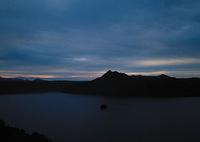 夕暮れの摩周湖