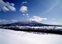 雪原と羊蹄山