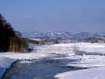 川と山並み