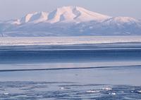 雪山と流氷