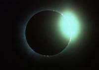 ダイヤモンドリング(NASA提供)