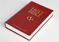 聖書とマリッジリング