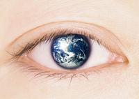 地球の映る眼(CG)